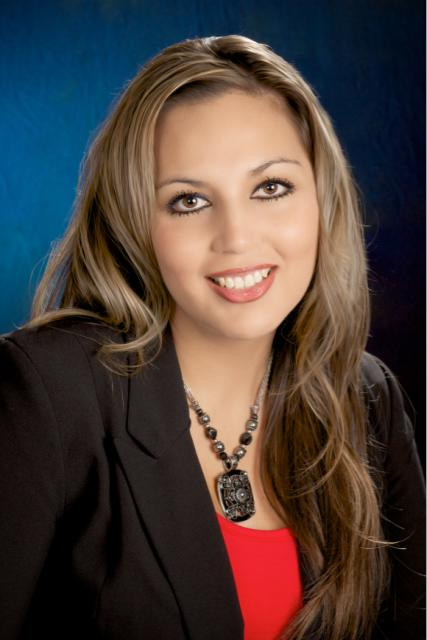 Maria a Notary in Gridley